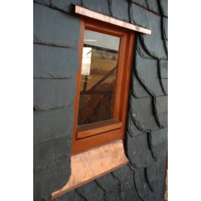 historisches Einfachfenster im Kirchturm Burkhardswalde